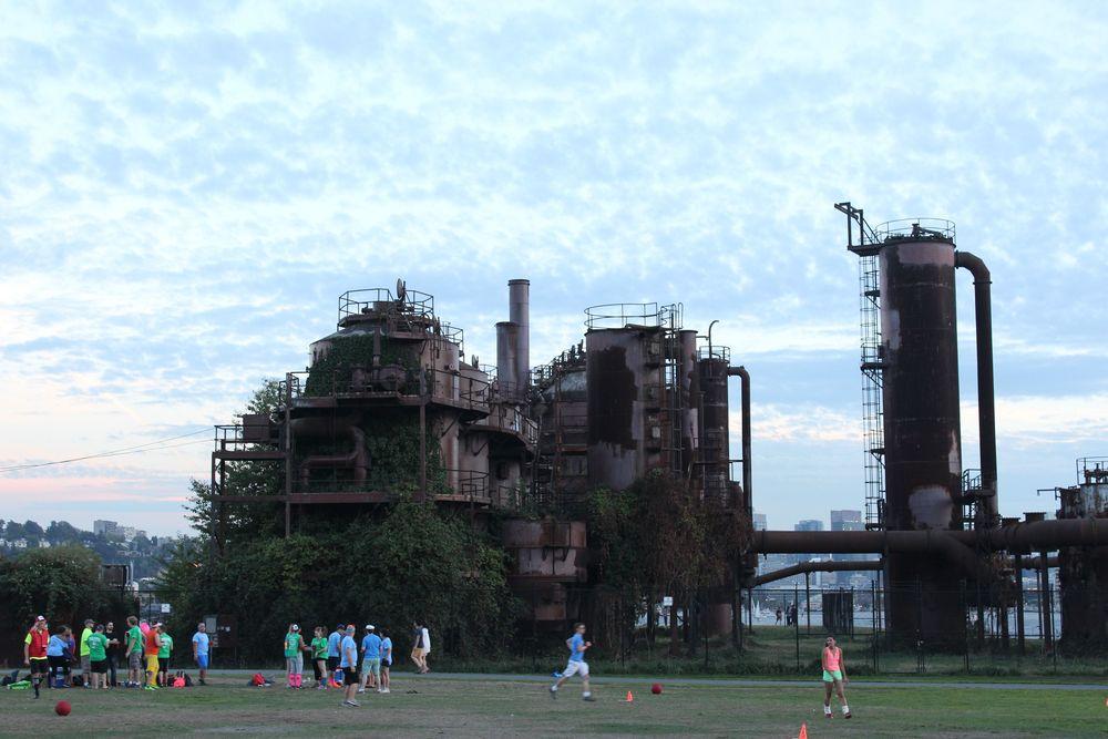Joueurs de teck au Gas Works Park, Seattle, WA, USA