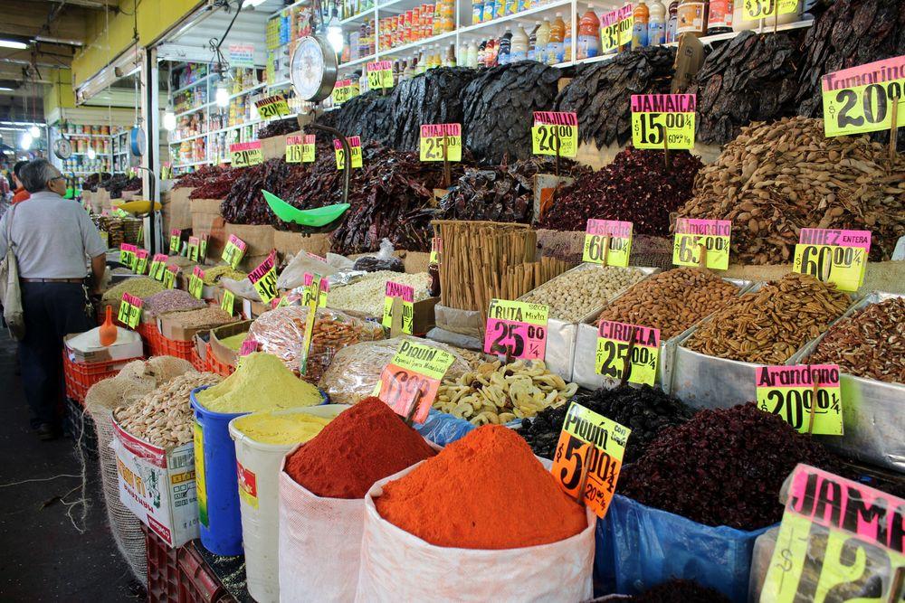Stand d'épices, Mercado de la merced, Mexico City, D.F, Mexique