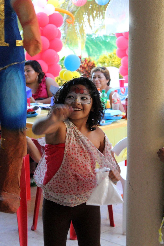 L'heure de la piñata, Fête d'anniversaire, Celestùn, Yucatan, Mexico