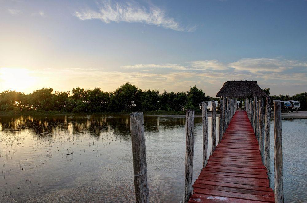 Les salines au soleil couchant, Celestùn, Yucatán, Mexic