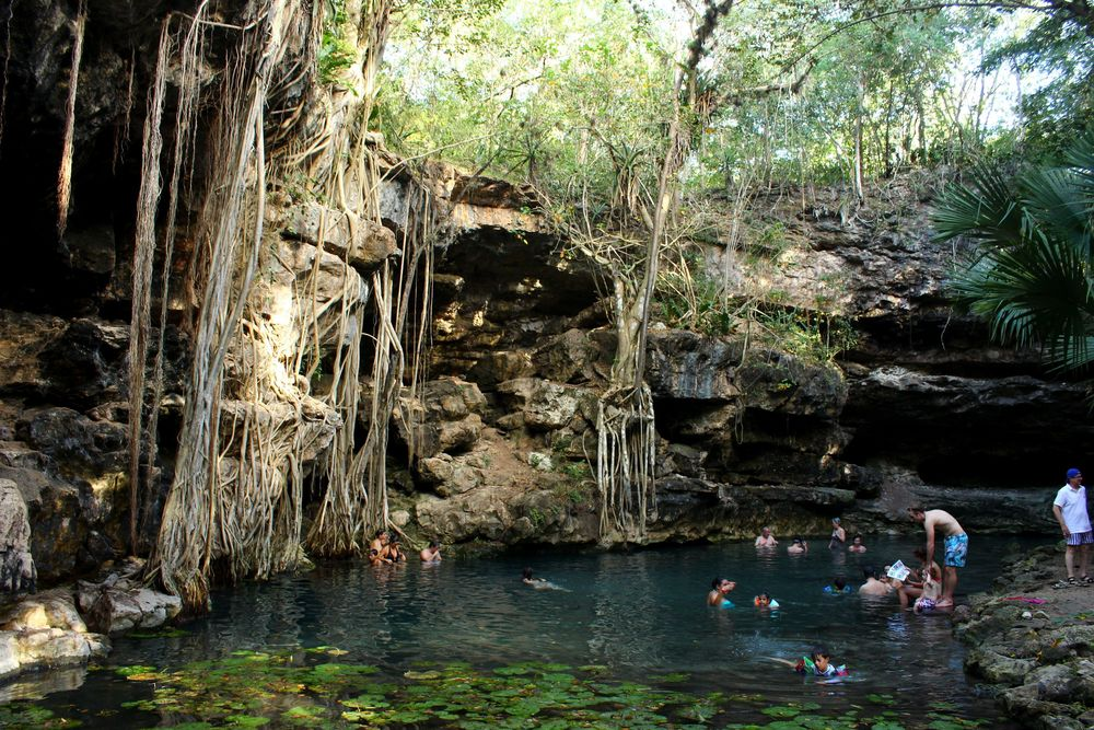 Cenote d'X-Batún, Yucatán, Mexico