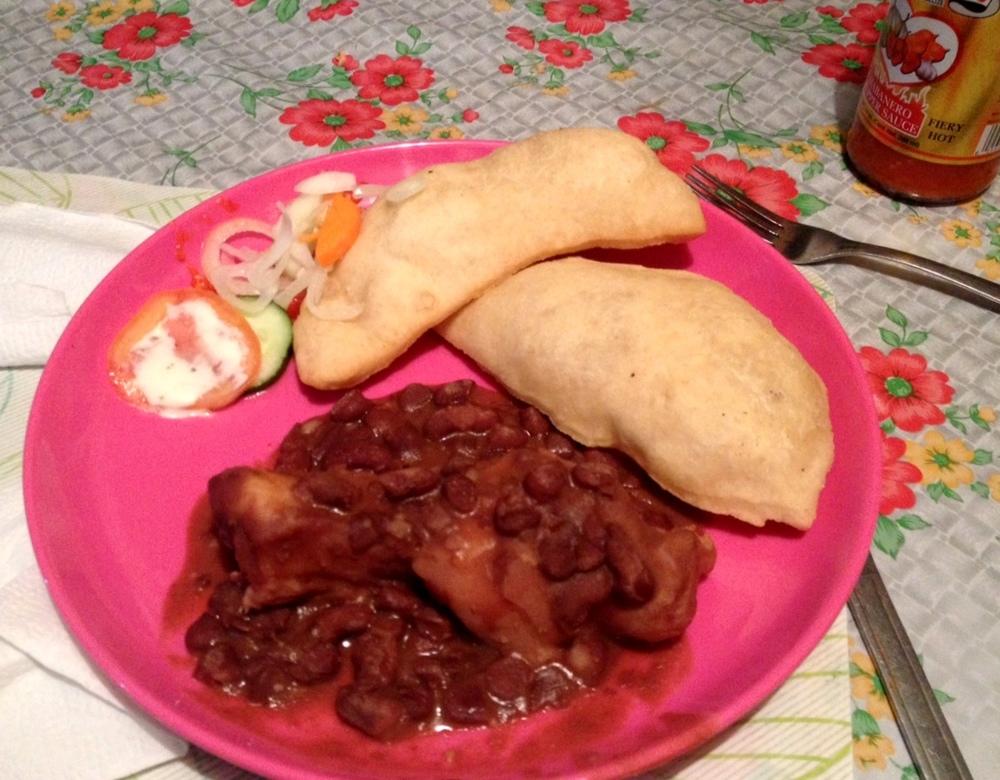 Queue de porc et pain frit, Placencia, Belize
