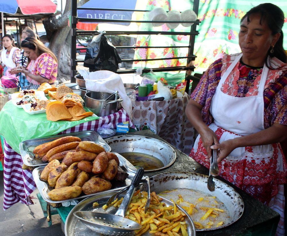 Rellenito de platano, marché de Xela, Quetzaltenango, Guatemala