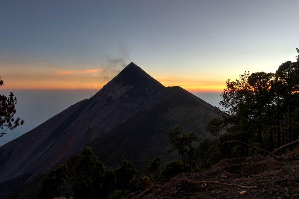 Vue sur le volcan de Fuego, Volcan Acatenango, Antigua, Guatemala