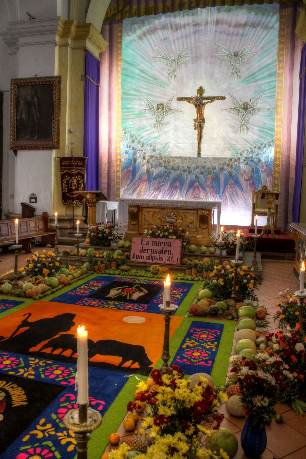 Offrandes dans les églises d'Antigua, Guatemala