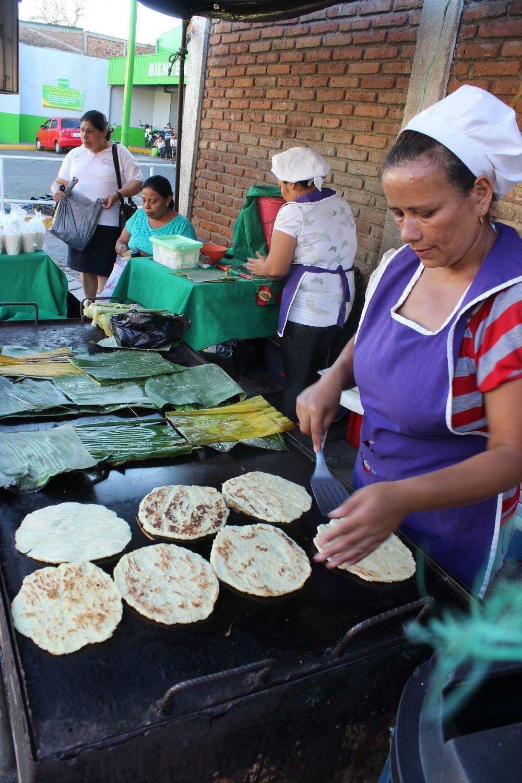 Güirila, tortilla de mais cuite dans une feuille de bananier, Matagalpa, Nicaragua
