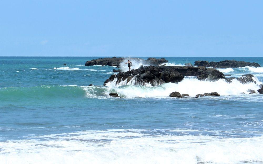 Pêcheur à playa Jaco, Puntarenas, Costa Rica