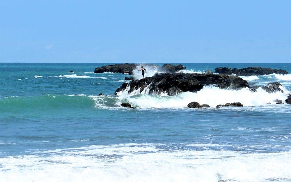 Pêcheurs à playa Jaco, Puntarenas, Costa Rica