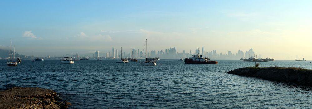 Vue de Cuaseway,  Panama City, Panama