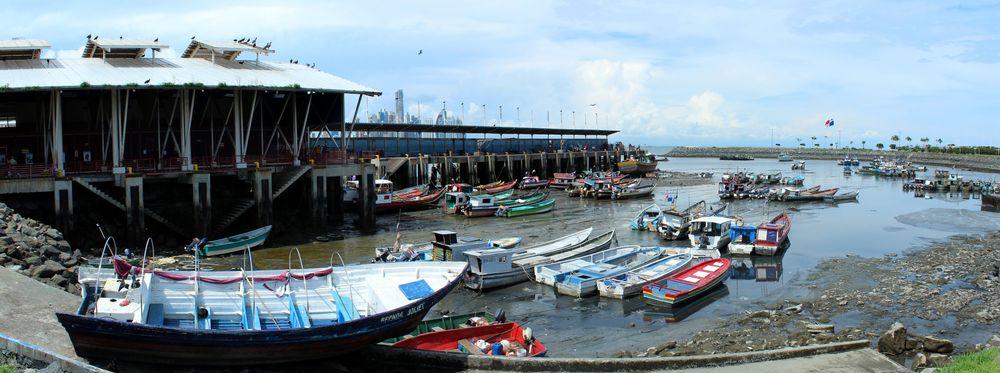 Port de pêche face au marché aux poissons, Panama City, Panama