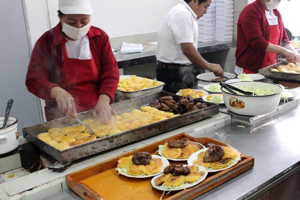 Les Torillas de papa sont grillés minutes, Ipiales, Narino, Colombie