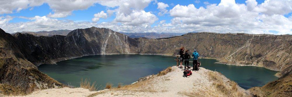 Céline, Séverine et Hélène, Laguna de Quilotoa, Cotopaxi, Equateur