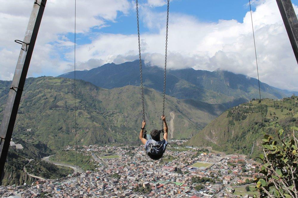 Vol au dessus de Banos, Tungurahua, Equateur