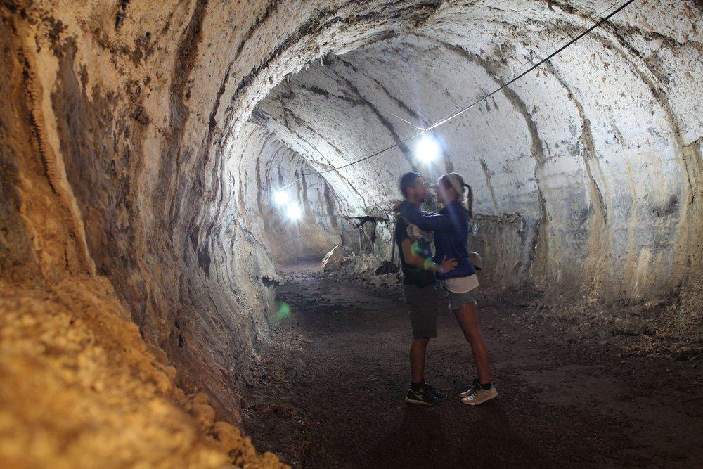 Tunnel de Lave, IslaSanta Cruz, Ecuador
