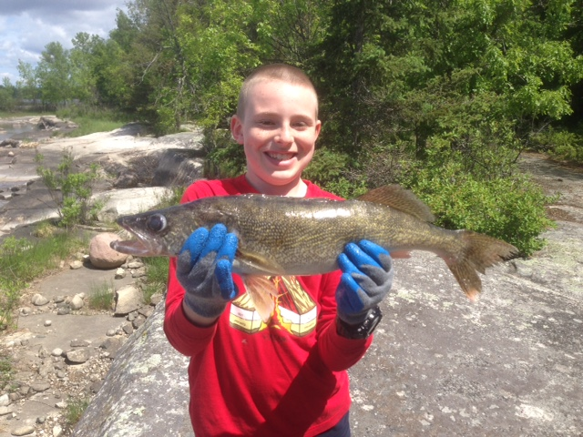 Hunter's 24 inch Walleye.JPG