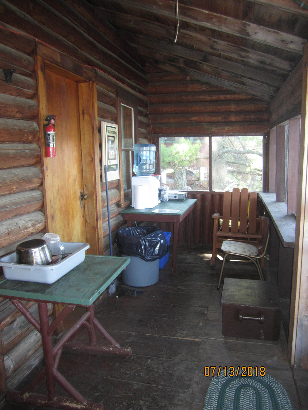 porch_kitchen_side.JPG