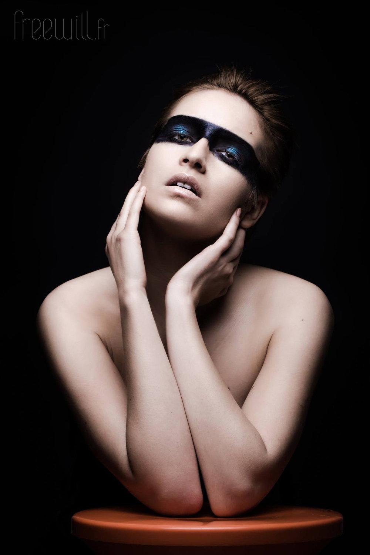 makeup-dark-2.jpg