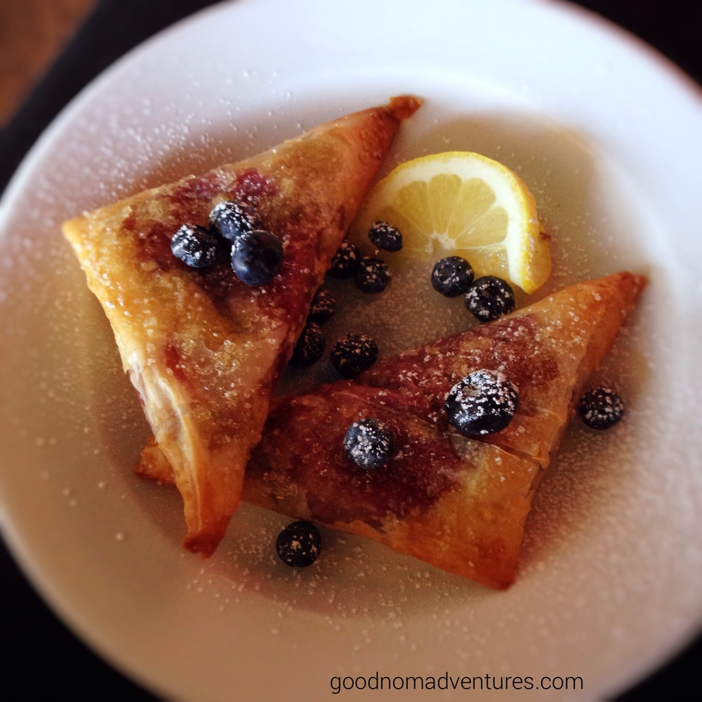 Blueberry & lemon pastry