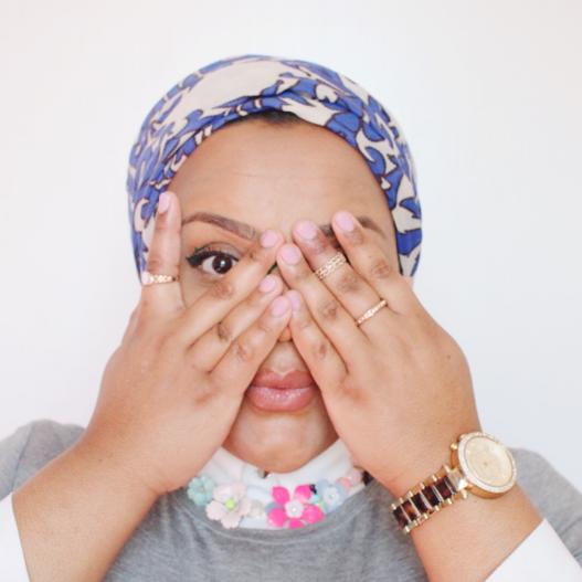 Sahar Arrayeh  Modest fashion blogger,turbanista, and a photographer.   s ahararrayeh.com