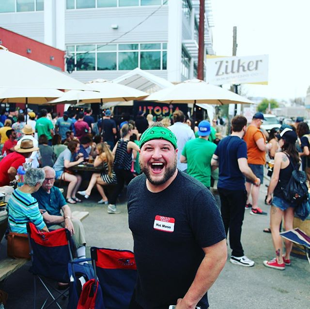 Sxsw utopia fest at Zilker brewery still smiling and it's been so busy!!!...... .  #utopiasessions #feedingthemasses #utopifestdownintheoaks #zilkerbeer @middlespoonmusic @themovementvibe @thehatedrugs @thenationalreserve @lisaleblancyo @downintheoa ks @zilkerbeer @clifbar @korgofficial @dsvodka @austinmassagecompany  @busybeemate  @wunderpilz @bloodyrevolution @tiffstreats @guayaki @richardsrainwat @hotmessatx