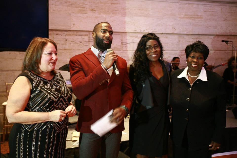EAGLES SAFETY MALCOLM JENKINS' BLITZ, BOW-TIES & BOURBON RAISED FRIENDS AND FUNDS TO SUPPORT PROGRAM EXPANSION - The Malcolm Jenkins Foundation held its first annual Blitz, Bow-Ties & Bourbon fundraiser Monday, December 8 at the beautiful and historic Union Trust in Philadelphia. Guests enjoyed a melange of delicious chef tastings; live entertainment; fashion; collectibles; and connecting with Philadelphia Eagles Safety Malcolm Jenkins and his teammates – making it an evening to remember.