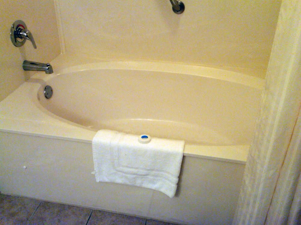 2011-09-28 BEST WESTERN PLUS Carolinian Beach Resort, Myrtle Beach, room 1733 (1) psproc