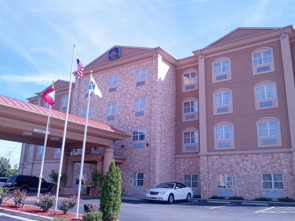Little Rock Best Western Plus JFK Inn & Suites 09-15-2013 (2)