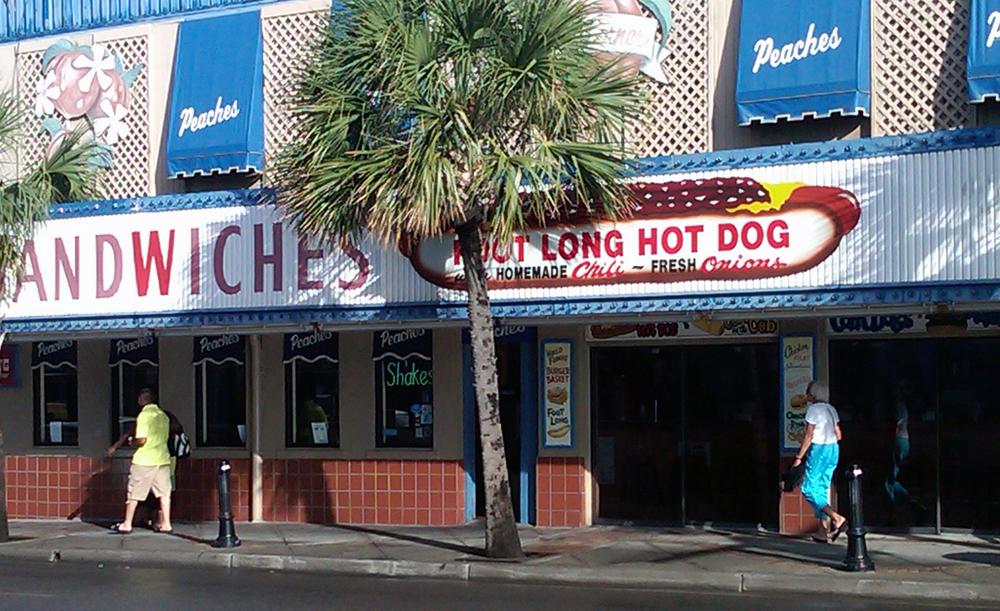 Myrtle Beach, Peaches Corner, home of world's WORST hot dog