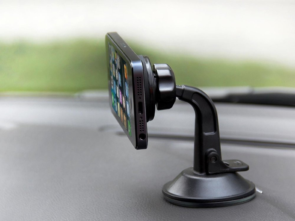 iClever Magnet Car Holder for Smartphone 6.jpg