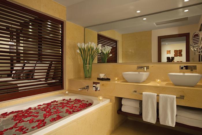 SECPM_JS_Bathroom_1.jpg