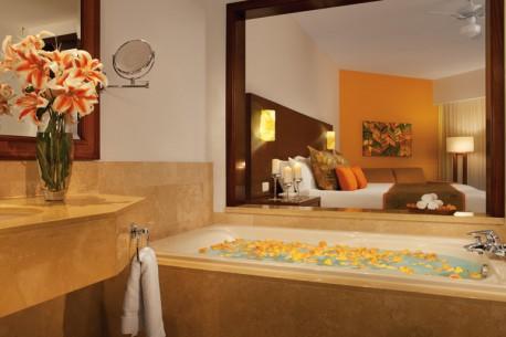 NOLPC_DeluxeROOM_Bathroom_2-458x305.jpg