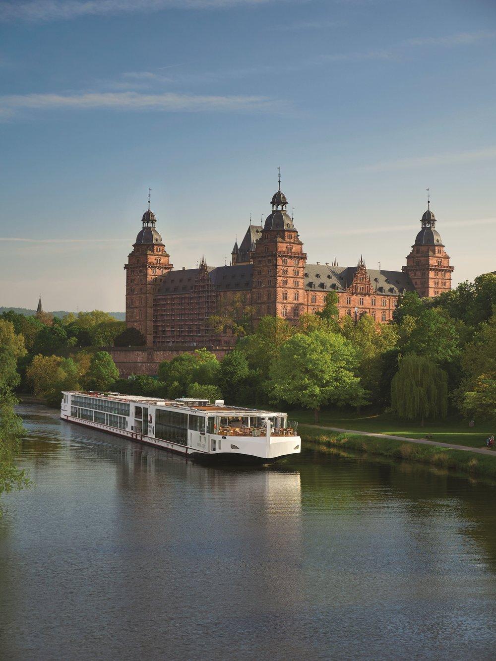 Longships_Idun_Schloss_Johannisburg_Aschaffenburg_Vert_P1090845.jpg