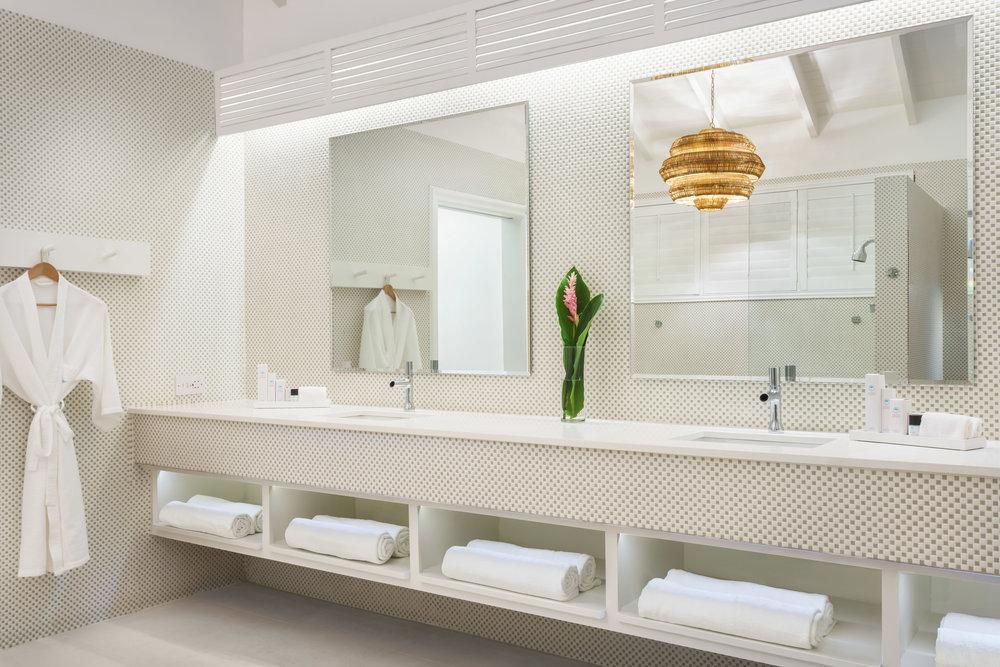 CouplesResorts-OasisSpaSignatureVilla-Bathroom-58d181b012afe.jpg