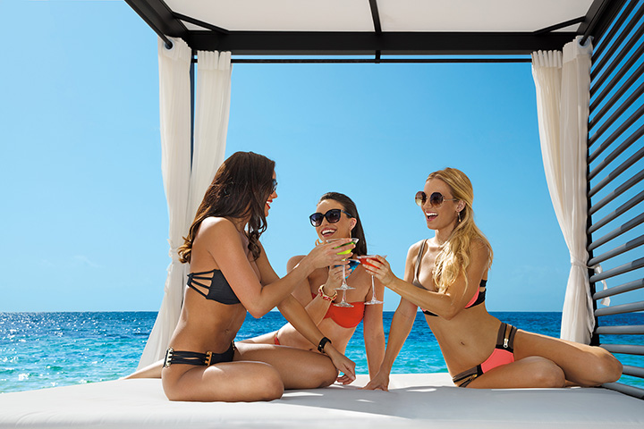 BRERC_Girlfriends_BalinesBed_Beach_2B.jpg