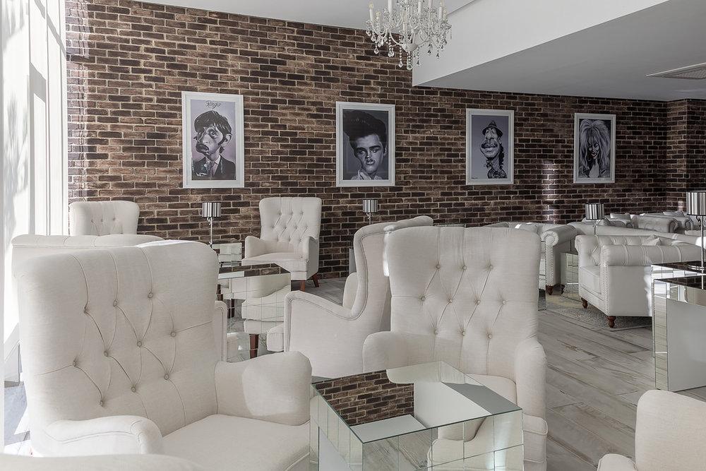 select lounge 6.JPG