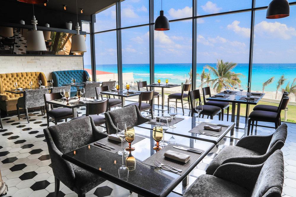 Sandos_Cancun_Rest_Frattini's_03.jpg