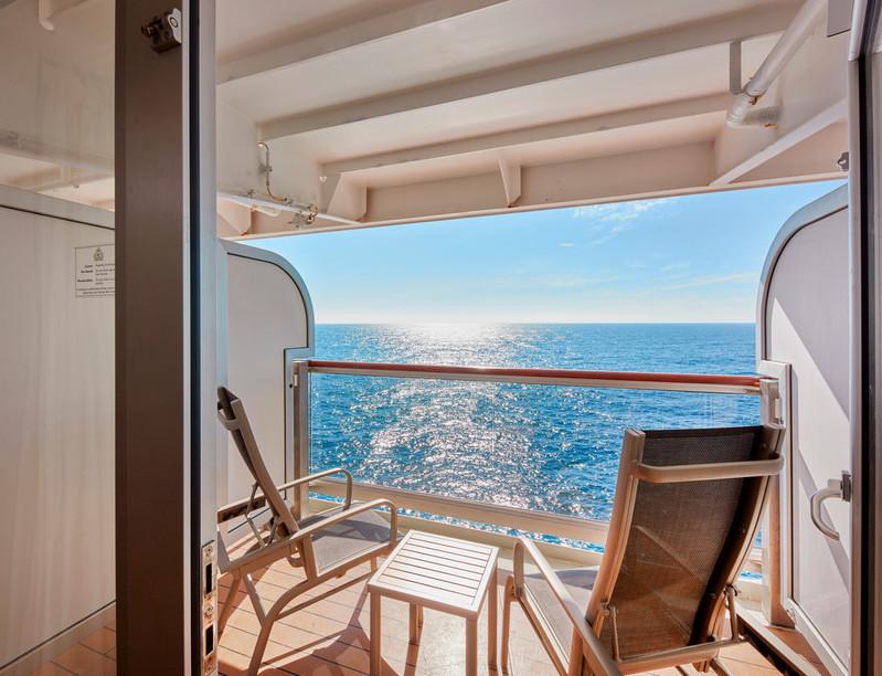 QE 8055 Balcony 52.jpg