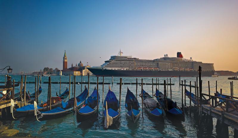 RF20170 - Queen Elizabeth Venice October 2012 -- QE Venice.jpg