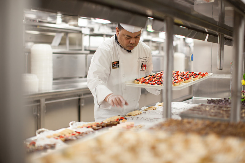 RF20548 - Queen Victoria Galley Chef White Star Service Cakes -- QV Galley.jpg
