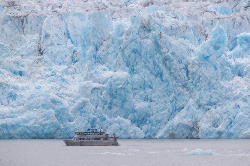 SBN_ABC_RSAY17_Allen Marine Catamaran at Dawes Glacier_Endicott Arm_Alaska_1.jpg