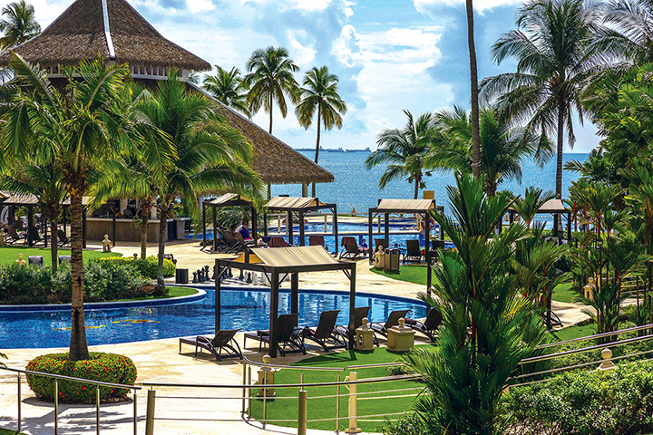 DDPBP_Hotel_grounds_Pool_area_DreamsPlaya-BonitaPanama_RSRT.jpg