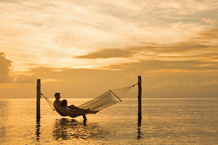 SEACZ_EXT_HammockSea_Couple_Sunset_1A.jpg