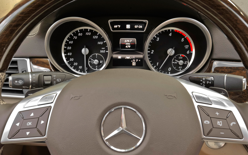 2013-mercedes-benz-gl-speedometerjpg.jpg