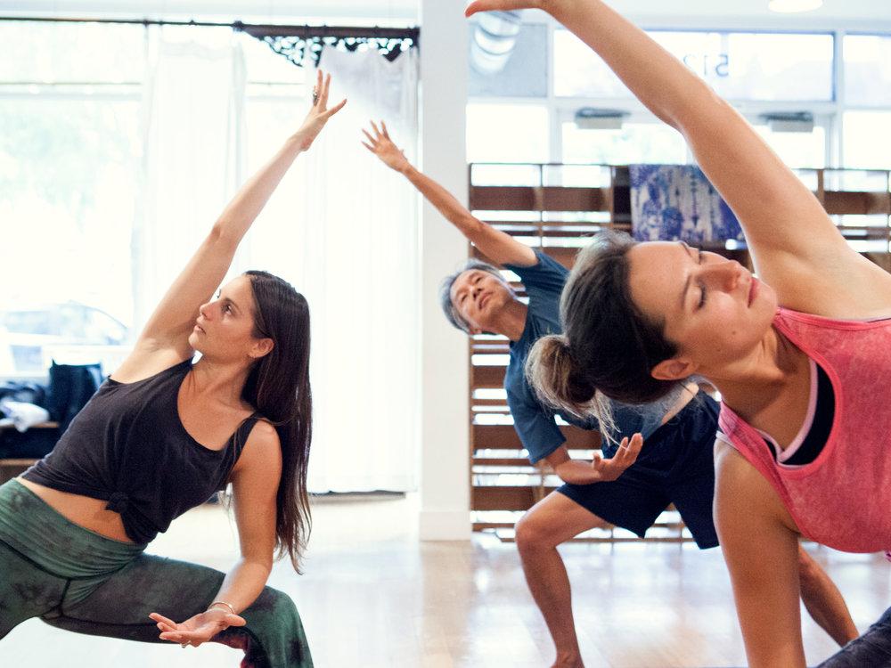 LA162_MollyMitchell_WestsideWellness_Yoga_MG_8133.jpg