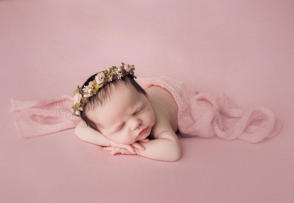 Newborn Girl Aubrey {November 2017}-6105rt.jpg
