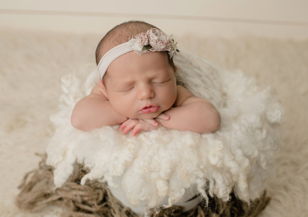 Newborn Girl B Family {8-1-18}-9718.jpg