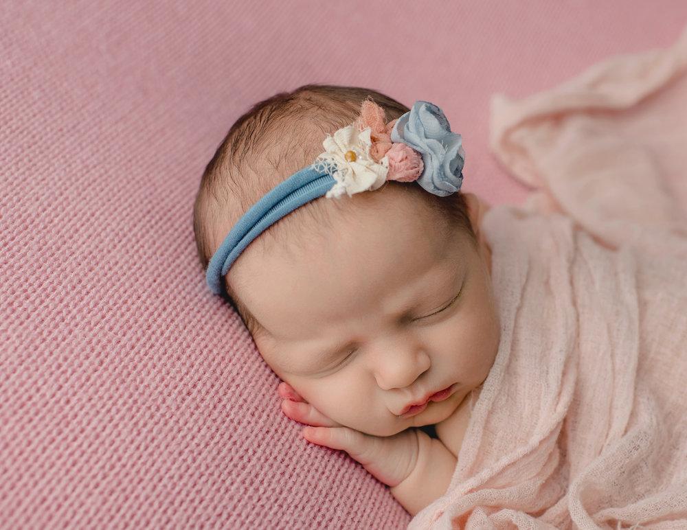 Newborn Girl B Family {8-1-18}-9756.jpg
