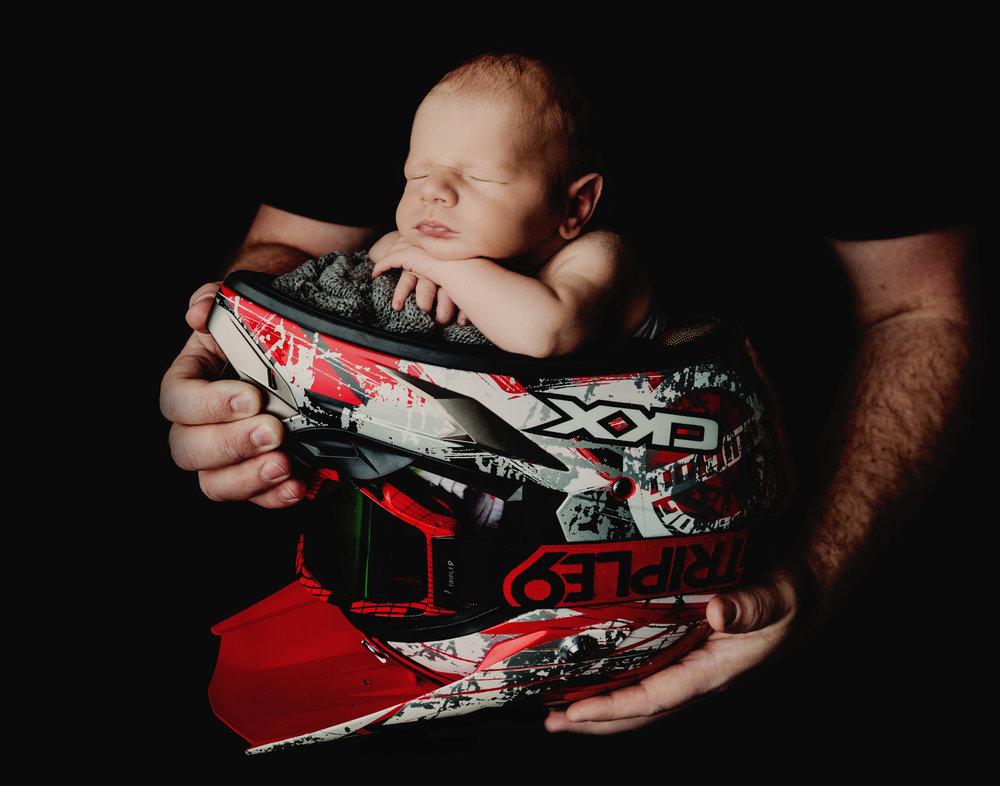 Newborn BOY 12-2-18 -9792.jpg