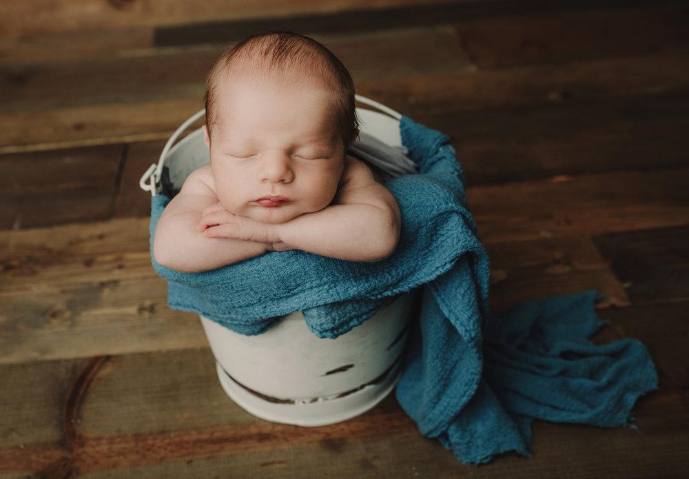 Newborn BOY 12-2-18 -9835.jpg