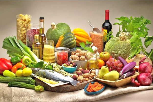 mediterranean diet helps you live longer